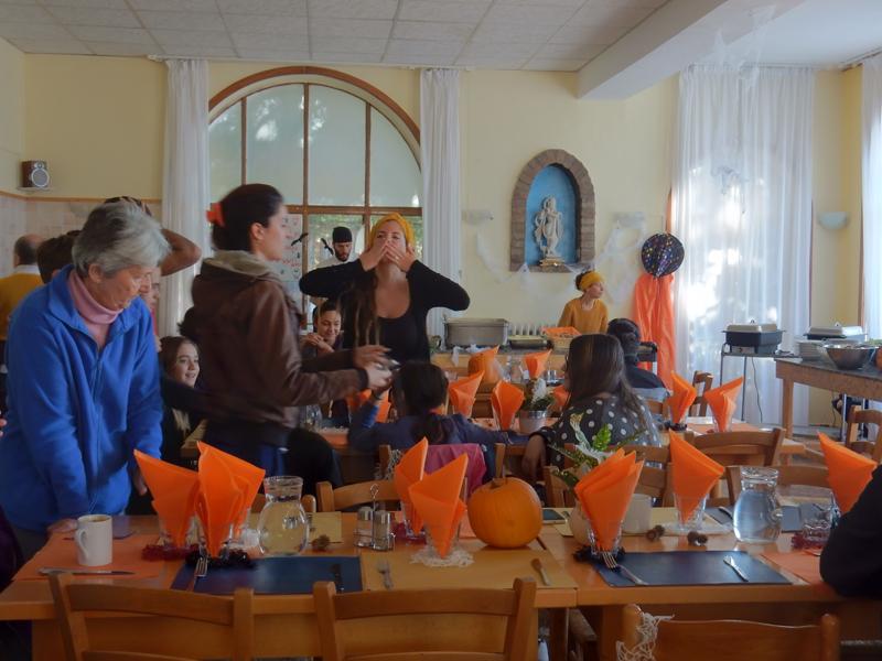 Jídelna o Halloweenu