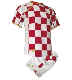 kit-kroazia-white-burgundy.jpg